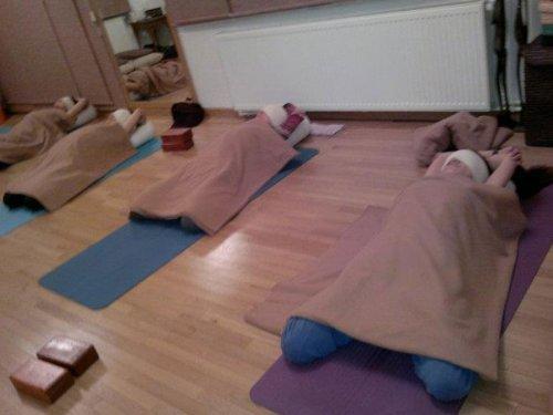 yin-yoga-seansı_feryoga_02